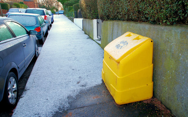 Action Petz Blog Cold Weather and Dogs Yellow Grit Bin